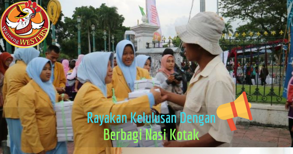 Pelajar Yogyakarta Rayakan kelulusan dengan Bagi-bagi Nasi Kotak